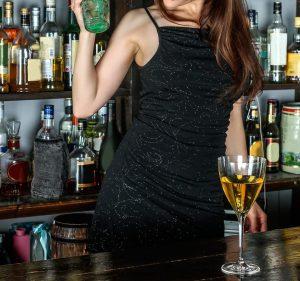 女性 アルコール