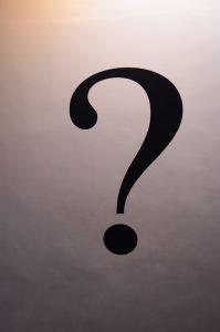 ホテヘルって指名が多ければ個室待機?なければ集団待機が基本?
