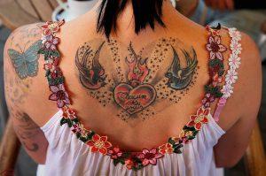 40代熟女でタトゥーありでも働ける風俗店はある?面接前に言うべき?