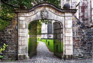 Gate, Open