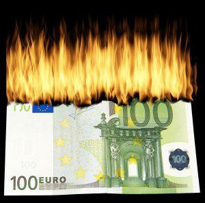 お金, 燃
