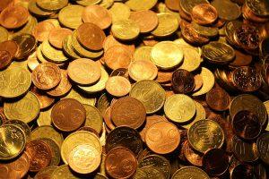 キャバクラで給料前借りは日払いと同じ意味を表す